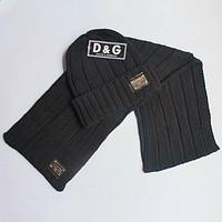 D&G Dolce & Gabbana 2018 men and women get a new two-piece hat scarf F0908-1 black