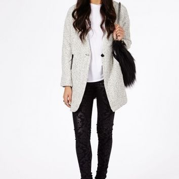 Missguided - Petera Tweed Boyfriend Coat With Faux Leather Trim In Cream