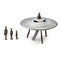 Flying Saucer + Alien Family | space ship sculpture, geek gift
