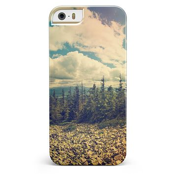 Beatuful Scenic Mountain View iPhone 5/5s or SE INK-Fuzed Case