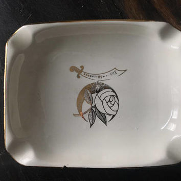 """Adorable Vintage ashtray """"daughters of the Nile"""""""