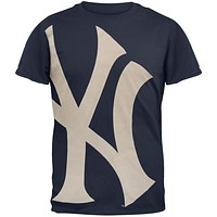 New York Yankees - Overgrown Logo Soft T-Shirt