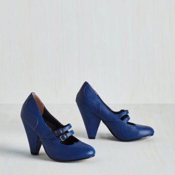 Vintage Inspired Follow Your Sweetheart Heel in Sapphire