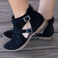 SZ 6.5 CHINESE LAUNDRY Dandie Black Festival Booties