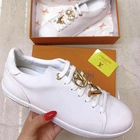LV Louis Vuitton new product gold letter logo ladies casual shoes white shoes