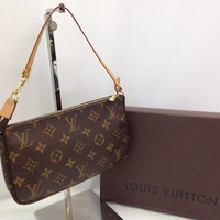 Auth Louis Vuitton Monogram Pochette Accessoires Pouch Bag Brown 8C230140#