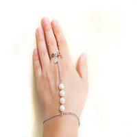 Pearl Slave Bracelet Hand Bracelet Piece Hipster Chain Bohemian Beads Triangle Hand Jewelry Bridal wedding Glass Pearl