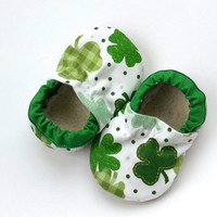 shamrock shoes st patricks day baby shoes green and white four leaf clover shamrock baby clothing st patricks day clothing baby shoes green