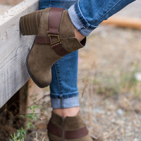 Come a Little Closer Leather Strap Detailed Booties (Olive)