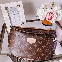 LV Louis Vuitton monogrammed casual women's purse, chest bag, one-shoulder cross-body bag