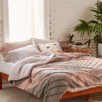 Paz Tufted Tie-Dye Coverlet - Urban Outfitters