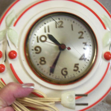 1940s HULL Cherries Clock, Ceramic Case, Electric Sessions Clock, Red and White Mid Century Kitsch Collectible, Cracked Lens Discount