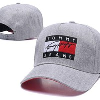 Tommy Jeans Hot Fashionable Boys Girls Embroidery Sports Sun Hat Baseball Cap Hat Grey