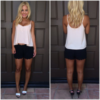 Short And Sweet Scallop Shorts - BLACK