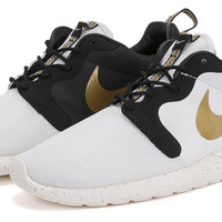 Bows & Arrows - Roshe Run Hyperfuse QS (Ivory/Metallic Gold) // sold out!