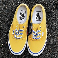 VANS men and women letters with shoes old school skateboard shoes canvas shoes yellow