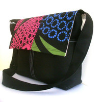 NEW - STYLE Authentic Messenger Bag
