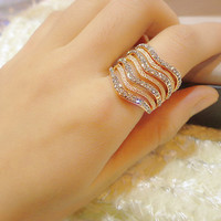 Fashion Exaggerated V-shaped Decorate Ring Crystals Wide Chunky Cocktail Ring Kpop Punk Cool 14K Gold Women Statement Jewelry