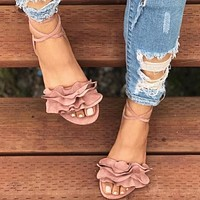 Hot-selling fashionable large-size flower flat-heeled sandals for European and American ladies