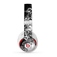 The Abstract Black & White Swirls Skin for the Beats by Dre Studio (2013+ Version) Headphones