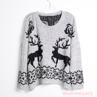 SZ M/L Reindeer Tracks Ivory Winter Sweater
