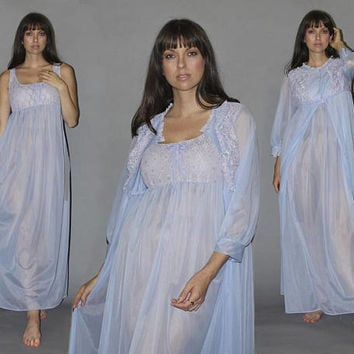 Vintage 70s PERIWINKLE PEIGNOIR LINGERIE Set / Sheer Chiffon Nightie + Dressing Gown / Ethereal Airy Sexy / Lavender Chantilly Lace / M L