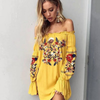 Fashion Strapless Sexy Flower Embroider Long Sleeve Dress