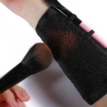 Convenient Makeup Artists Arm Sponge Color Swich Makeup Brushes Cleaner Tool Eyebrow Eyeshadow Blush Contour Powder Remover