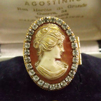Vintage Cameo poison Avon ring rhinestones Photo holder pill box finger ring