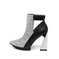 VALORI Side Out Pointy Toe Thick Heel Booties