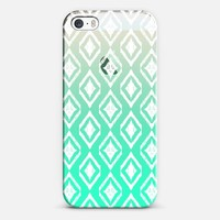 White Tribal Diamonds on Mint iPhone 5s case by Micklyn Le Feuvre | Casetagram